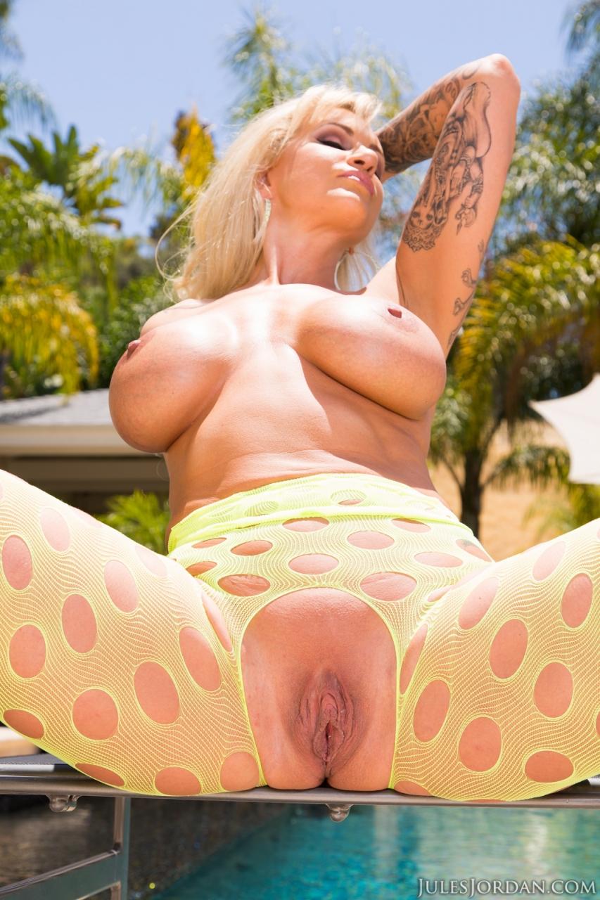 ryan conner dp'd, world famous big butt pornstar is back